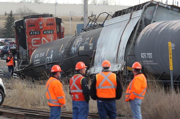 railroaded-cn-derailment-mar-20-2012-calgary-photo